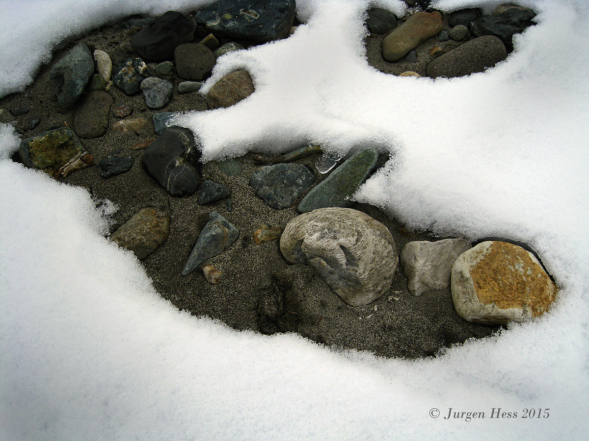 Snow and Rock Pattern